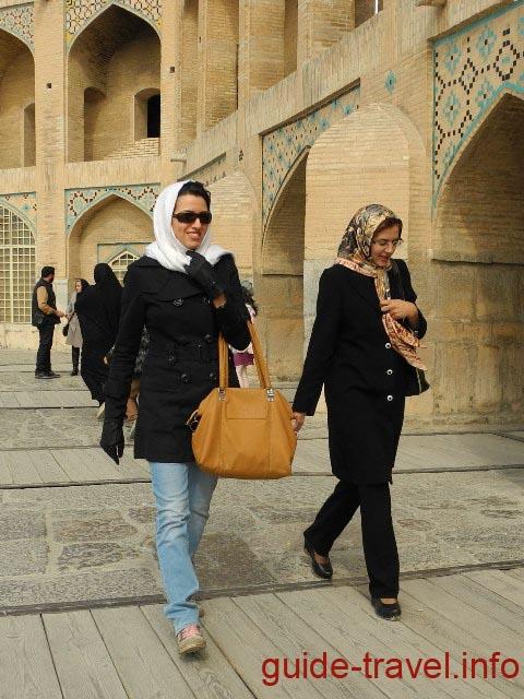 Иранская женская одежда - хиджаб